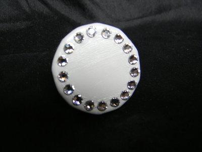 Anello in vera pelle e cristalli swarovski