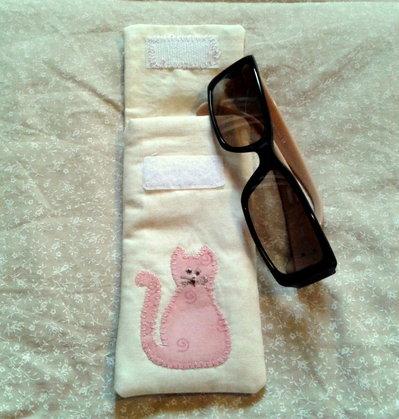 Porta occhiali con gattino rosa