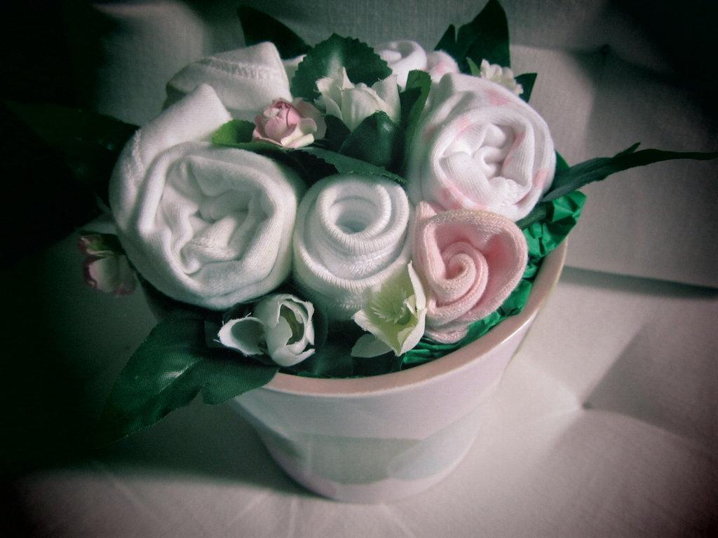 """*Bouquet regalo nascita bimba """"Bocciolino Fragola e panna"""" medio*"""