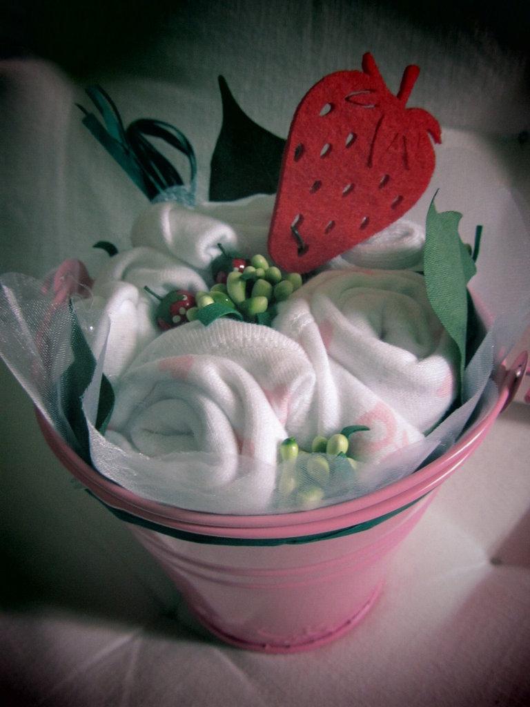 """*bouquet regalo nascita bimba """"Bocciolino fragolina piccolo""""*"""