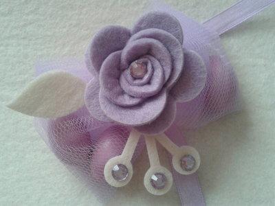Portaconfetti-segnaposto rose di feltro lilla