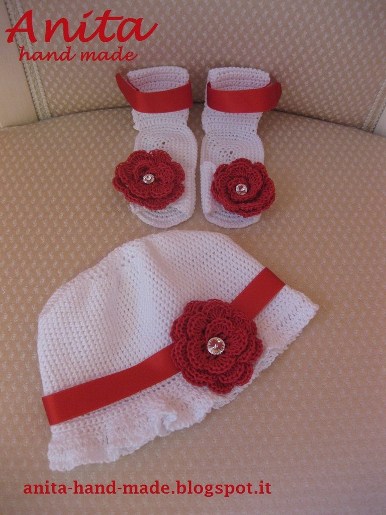 Coordinato sandali neonata e cappellino decorati con Swarovski