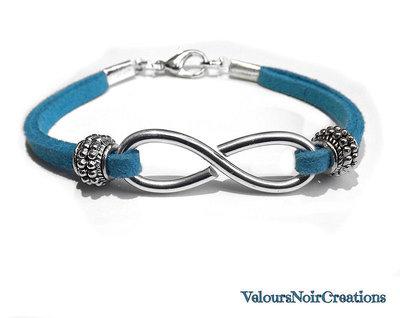 bracciale con simbolo infinito creato a mano laccio azzurro