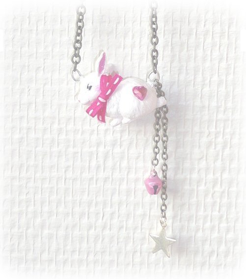Collier lapin rose