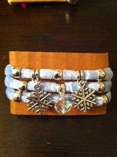 Braccialetti in lycra vellutata con ciondoli e cristalli