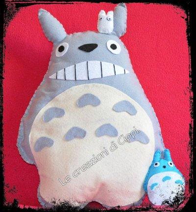 Pupazzo in pannolenci Totoro ed i suoi amici fatto a mano.