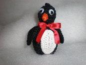 pinguino amigurumi portachiavi