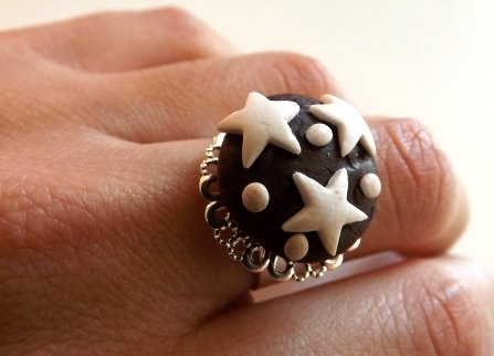 Anello regolabile filigrana con pan di stelle in fimo kawaii