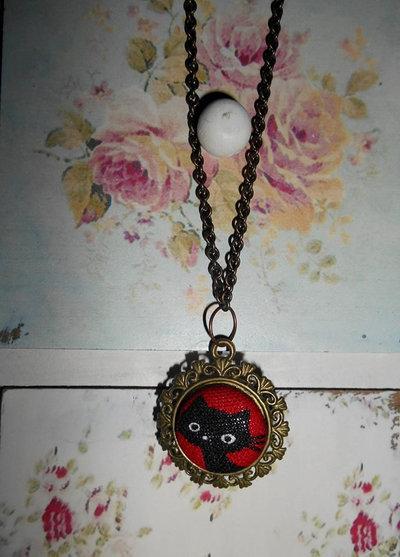 Collana vintage con ciondolo gatto nero