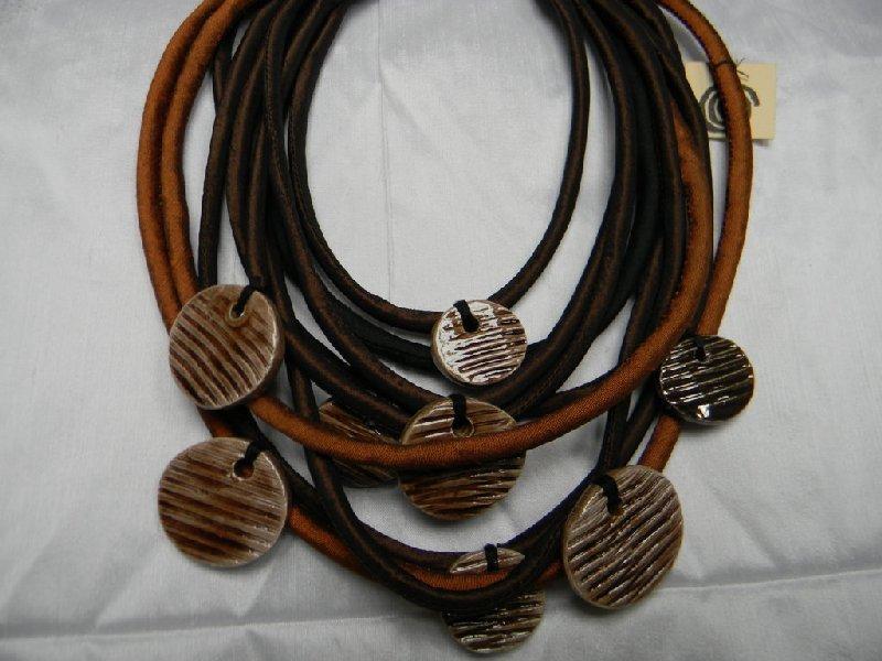 Collana/girocollo in pura seta con ceramica raku