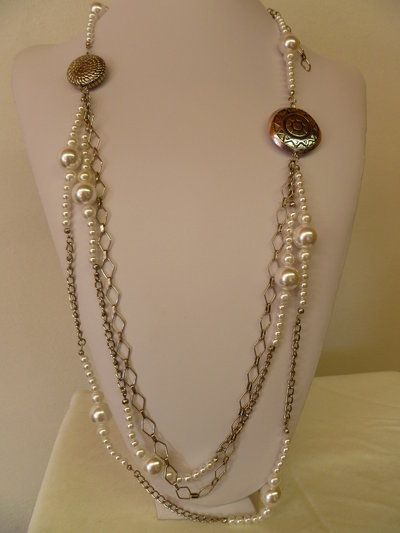 collana di perle e catene