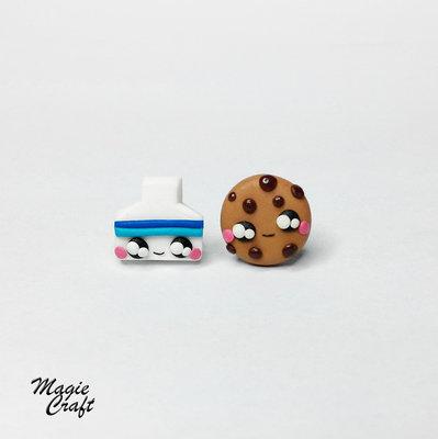 Orecchini a lobo mini Latte e Biscotto in Fimo