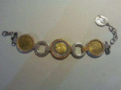 Bracciale con monete in lire incastonate color oro