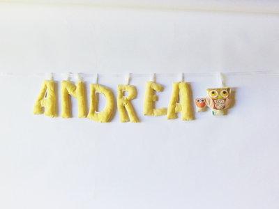 Targhe nascita in cotone per decorare la cameretta con il nome in lettere di stoffa