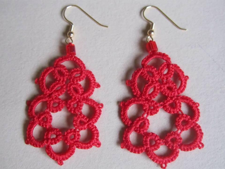 Orecchini pendenti  rossi fatti a mano a chiacchierino