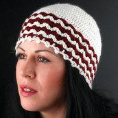 cappello di lana doppio colore panna-bordeaux