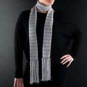 sciarpa elegante color argento con frange