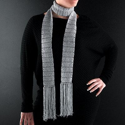 sconto speciale di vari tipi di professionista di vendita caldo sciarpa elegante color argento con frange