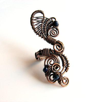 Anello in rame con lapis lazuli - PAVONE