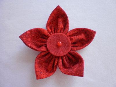 Yo-yo rosso a forma di fiore