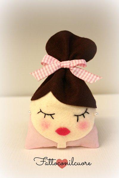 sacchetto bambolina castana per tante occasioni