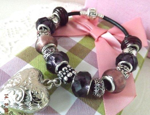 Bracciale con perle a foro largo,bracciale cuoio cuore argentato  charms e strass
