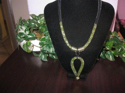 Collana con tubolare rete nera e verde