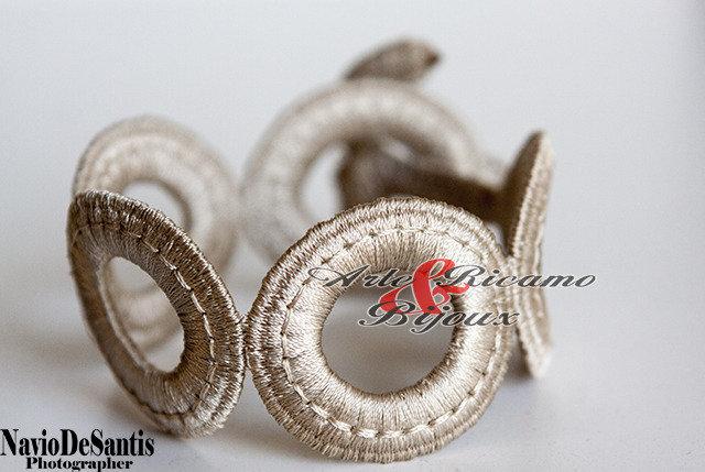 Bracciale in pizzo Macramè Modello cerchi by Arte ricamo & bijoux