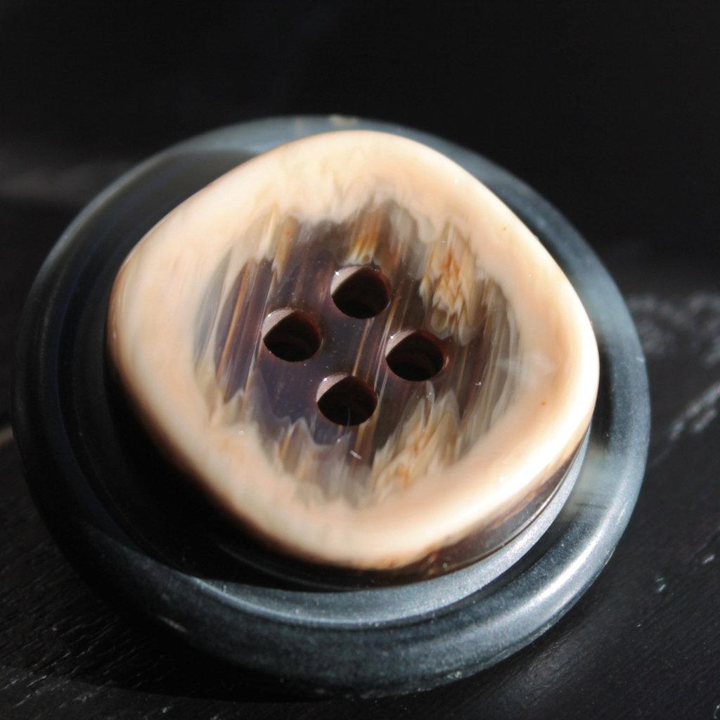 S15.13 - Spilla