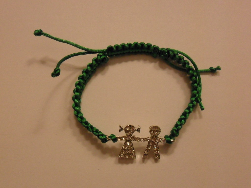 Bracciale verde con bimbi