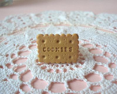 Anello biscotto realizzato in fimo