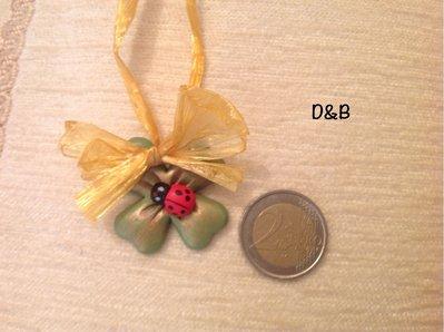 Quadrifoglio  con coccinella ,fatto a mano