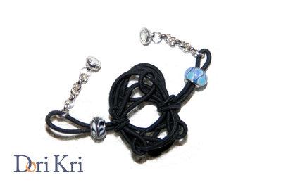 Bracciale nero con nodo cinese e perline