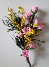 Mazzolino fiorito: fior di pesco e mimosa