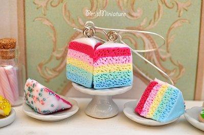 Orecchini torta arcobaleno in fimo colori pastello e glassa