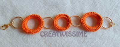 Braccialetti con cerchi all'uncinetto fatti a mano arancione