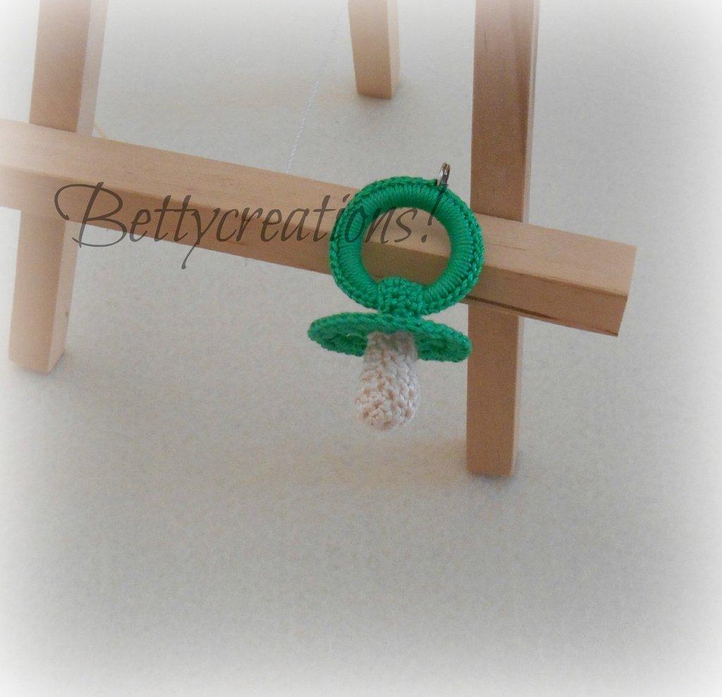 Portachiavi Ciuccio Uncinetto Verde