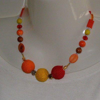 collana cotone giallo, arancione, rosso