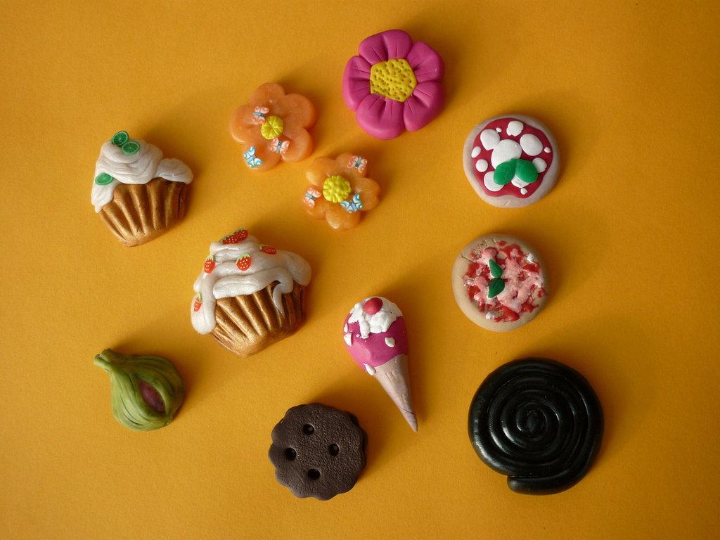 Magneti per lavagnette o frigo a forma di biscotti, pizza, fiori...
