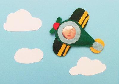 Set di 30 cornici in feltro ''Fotoplano'': la calamita a forma di aeroplano per delle bomboniere battesimo, comunione o cresima originali!