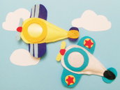 Set di 10 cornici in feltro ''Fotoplano'': la calamita a forma di aeroplano per delle bomboniere battesimo, comunione o cresima originali!