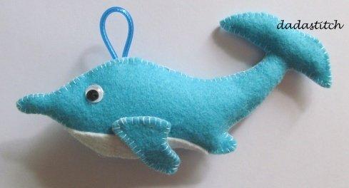 Animaletto in feltro porta asciugamano forma delfino
