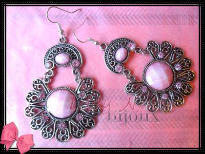 Orecchini pendenti rosa  color argento con strass rosa (ANALLERGICI)