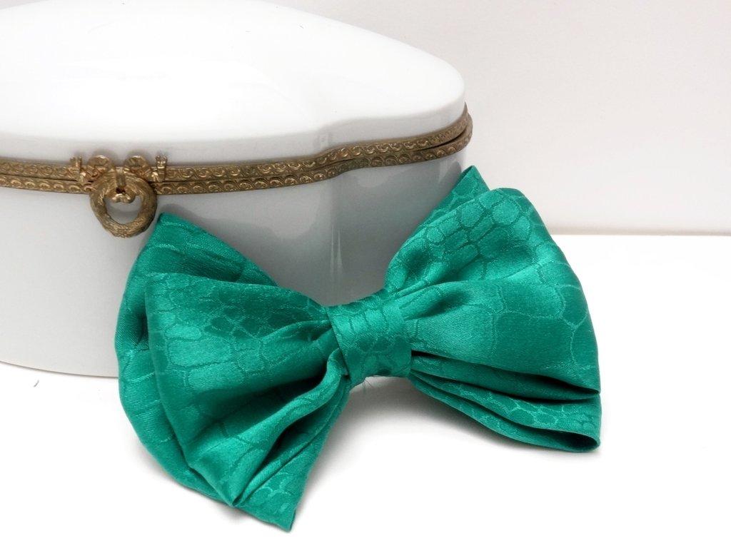 Fermaglio per capelli con fiocco in seta pura 100% verde // spilletta elegante per bambina