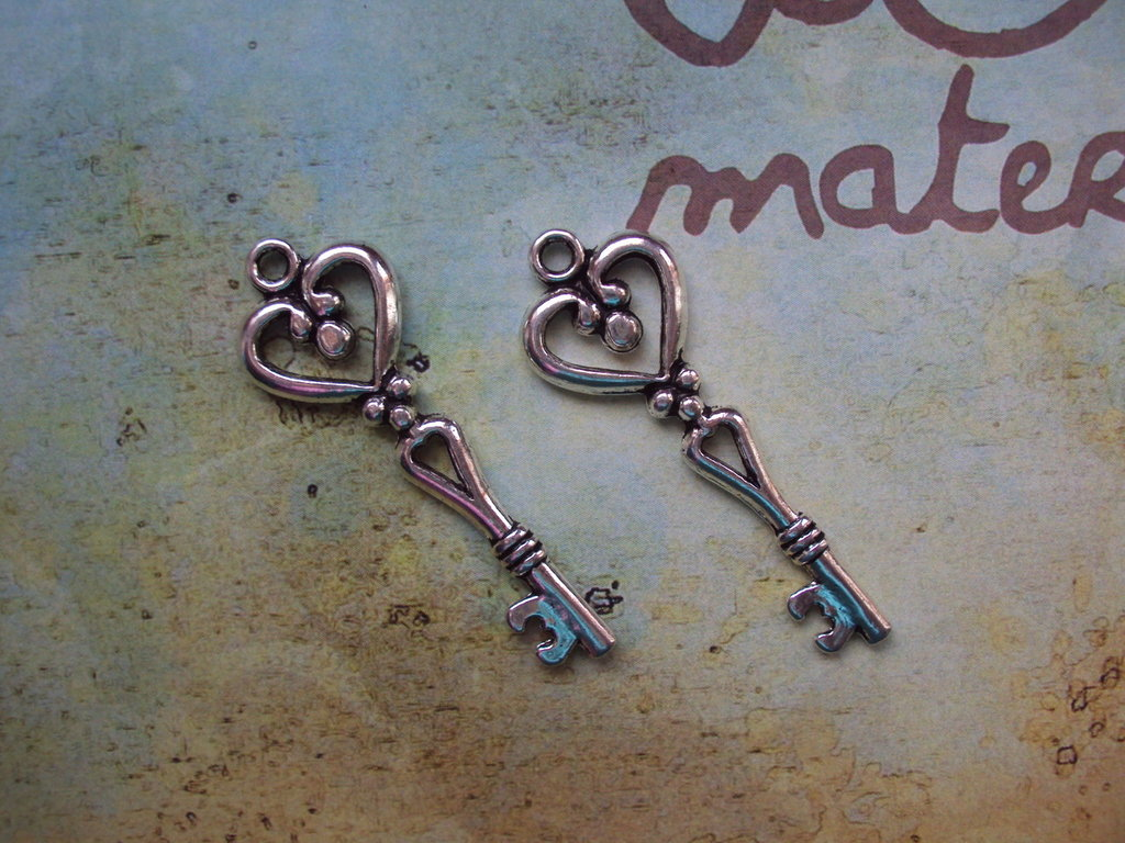Charm chiave cuoricino argento