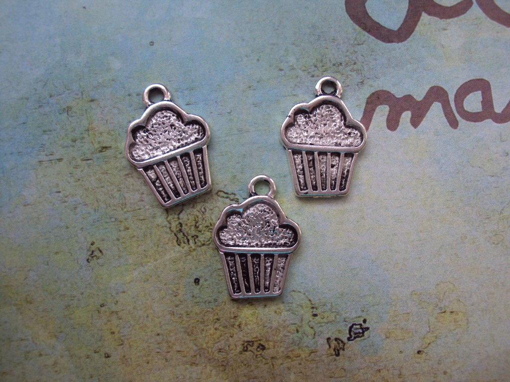 Charm cupcake argento