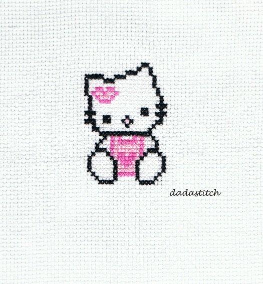 Ricamo Hello Kitty a punto croce per applicazione