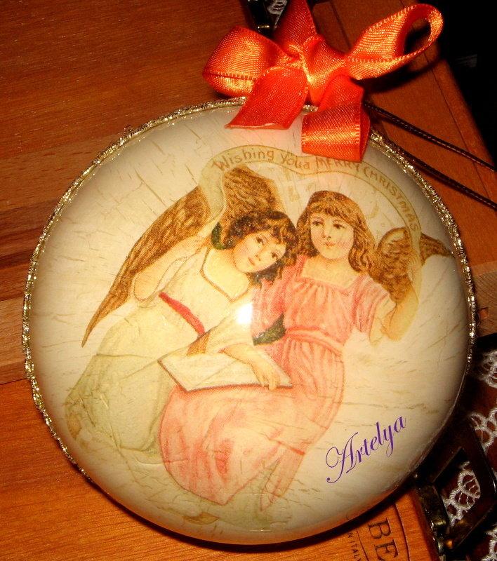 Sfera natalizia con Angeli