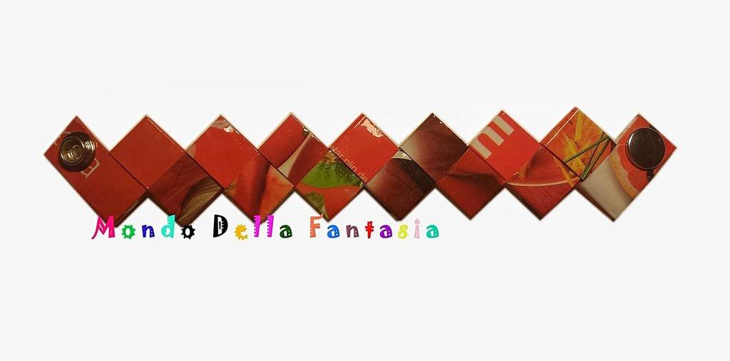 """Braccialetto """"Red"""" realizzato con le riviste"""