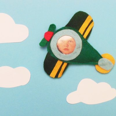 Calamita aeroplano in feltro: la cornice in feltro per le bomboniere dei vostri bambini